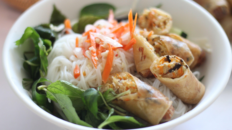 sauce traditionnelle vietnamienne pour rouleaux nuoc cham ou nuoc mam recette de base. Black Bedroom Furniture Sets. Home Design Ideas
