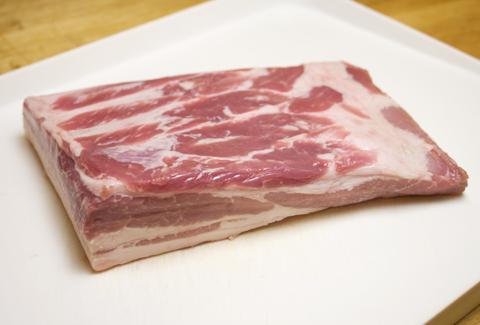 Grillade ou poitrine de porc non tranchées